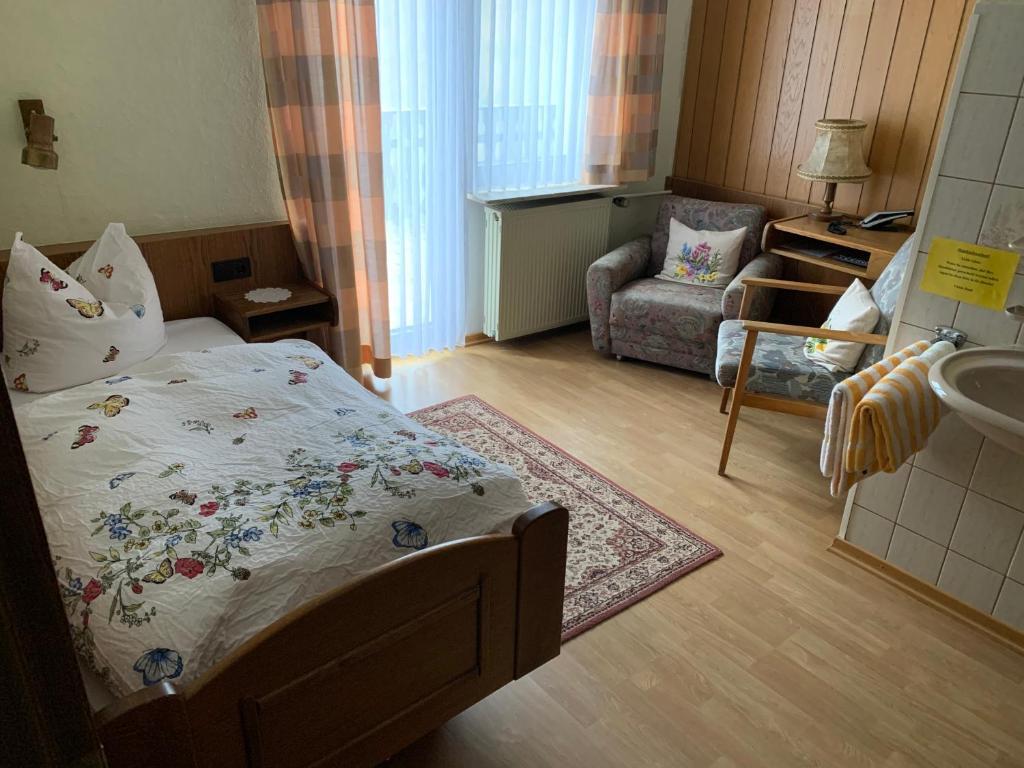 hotel-pension-einzelbett-zimmer